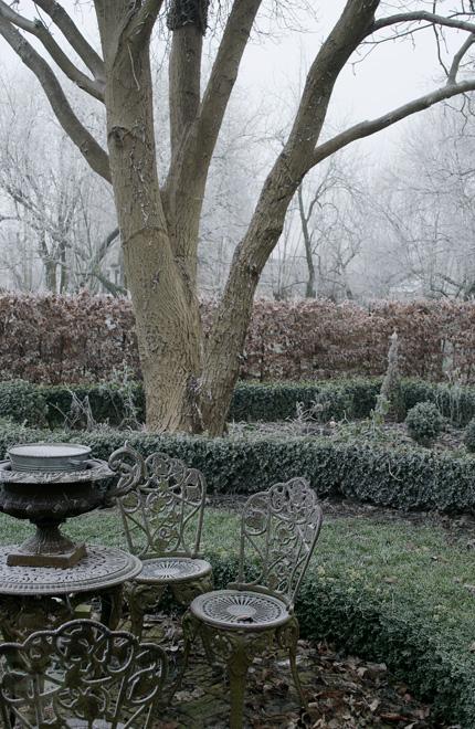 Winterse sfeer in en rond de oude stolpboerderij van J&A Interieurs 4 - Copyright © Brosisprod.nl